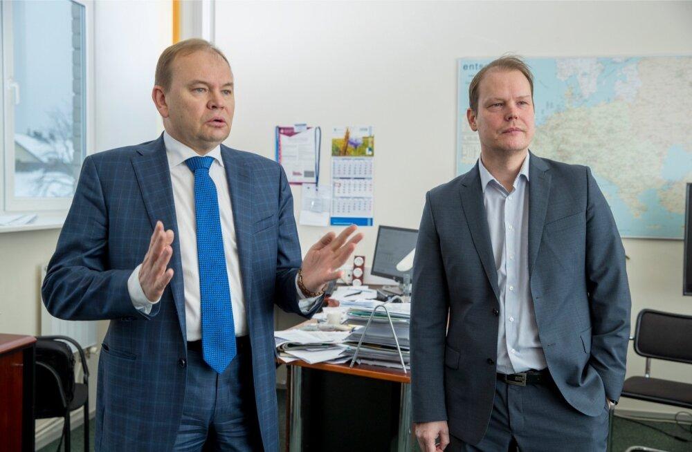 Nii konkurentsiameti peadirektor Märt Ots (vasakul) kui ka järelevalveosakonna juhataja Juhan Põldroos möönavad, et ametil pole häid võimalusi apteegituru skeemitamisi tuvastada.