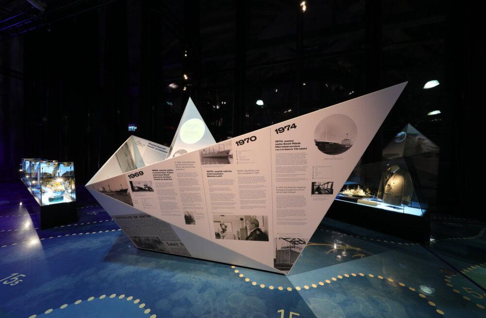 Lennusadamas avati piduliku vastuvõtuga näitus sajast laevast