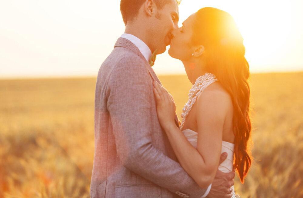 Kuidas manifesteerida oma ellu armastust ja ideaalset partnerit?