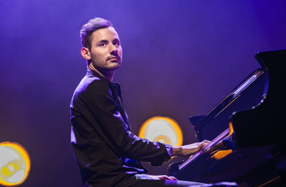 Всемирно известный эстрадный пианист Петер Бенце выступит в Эстонии