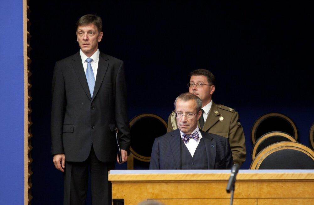 Indrek Tarand üritas 2011. aastal presidendiks kandideerides sättida end presidendi looži, aga suunati sealt ära