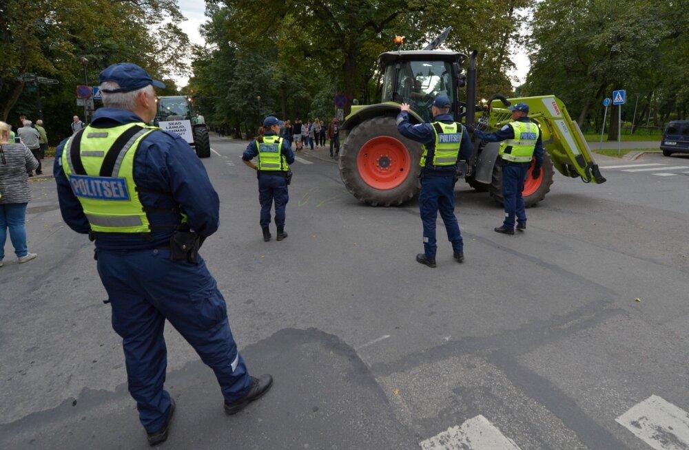 Põllumeeste meeleavaldus Toompeal, september 2015.