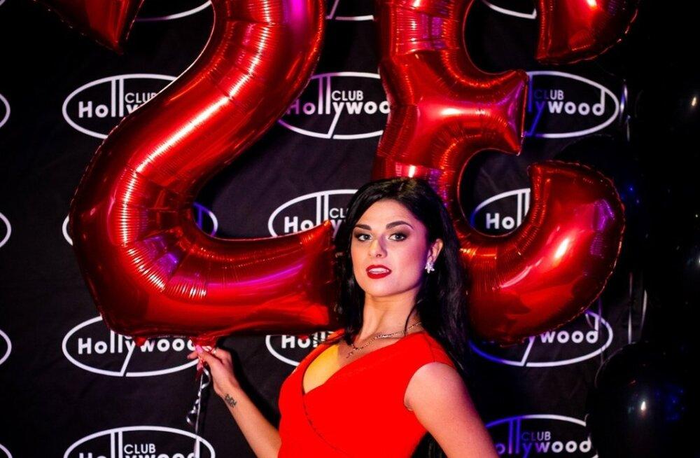 Club Hollywood 23