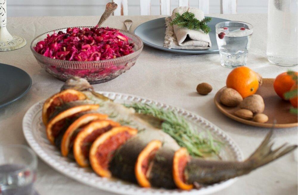 RETSEPTID | Suupisted, praad, siider ja mõnus kook: lookas ja ahvatlev jõululaud sobib igale maitsele
