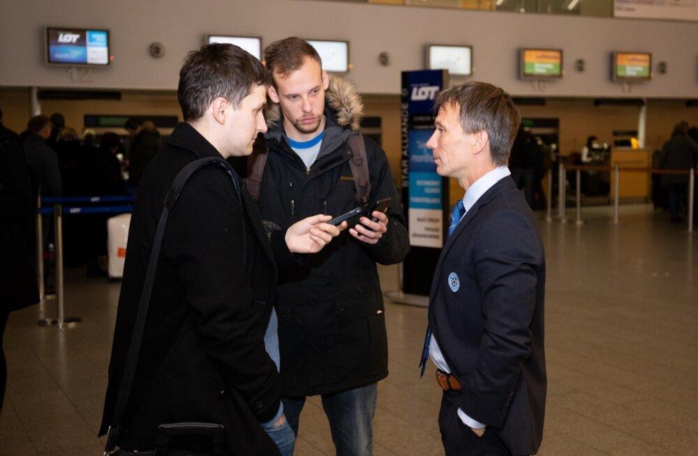 Eesti jalgpallikoondis lennujaamas
