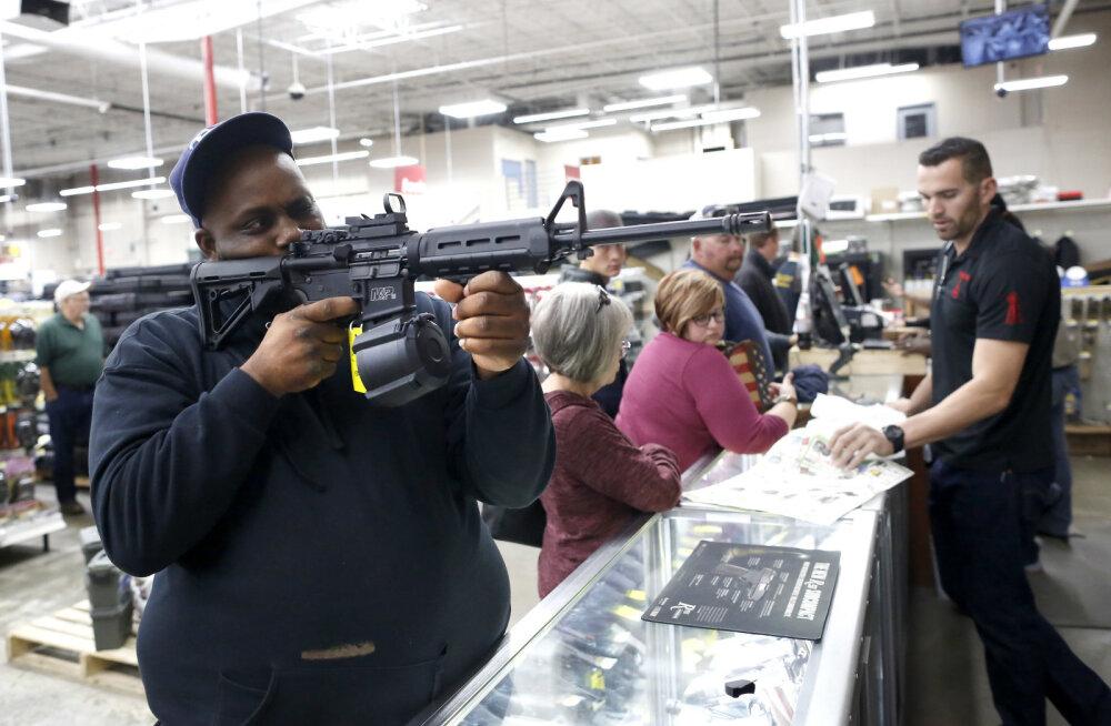 Maailmas on värske raporti järgi juba üle miljardi tulirelva - kelle käes need on?