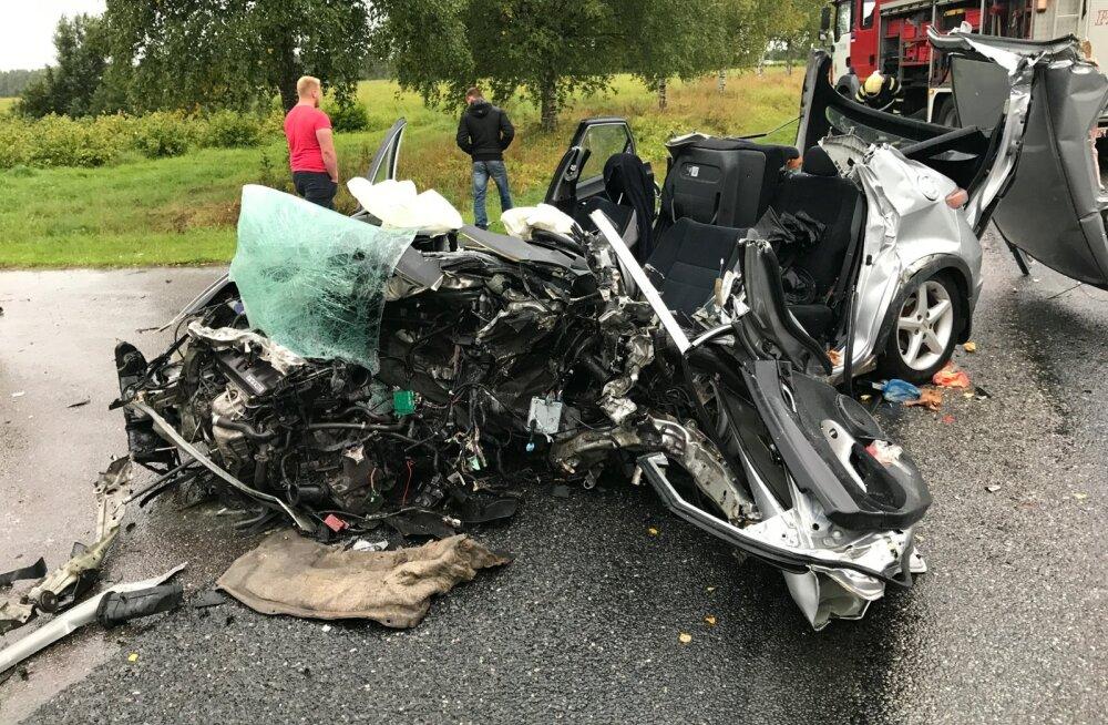 Liiklusõnnetus Järvamaal Laupas