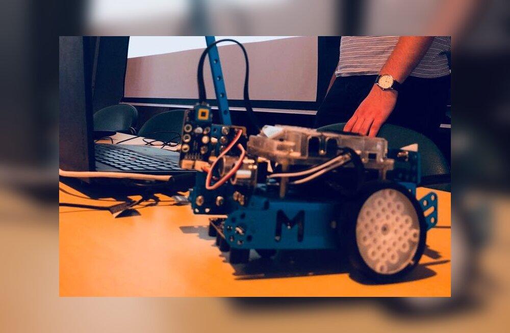 Robotex koolitab robootikaringide juhendajaid
