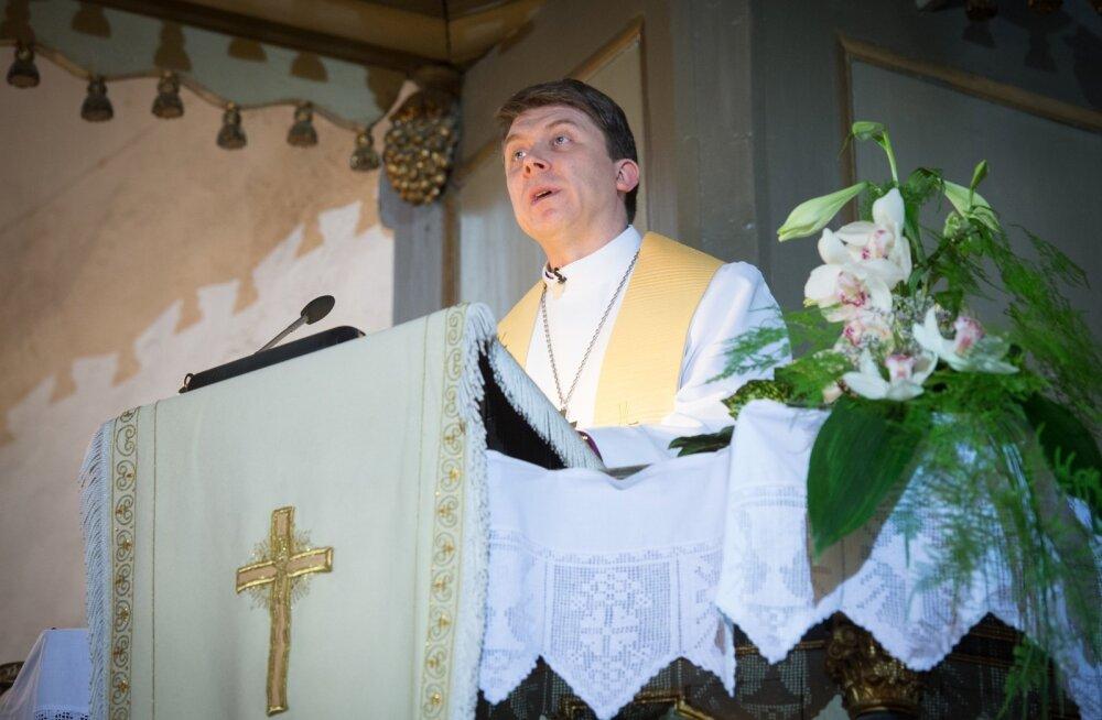 Urmas Viilma peapiiskopiks pühitsemine