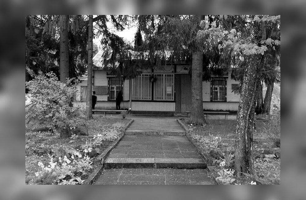 """Muuseumiööl näeb Narva-Jõesuus """"Kunstnikud kogudes"""" esimest projekti"""