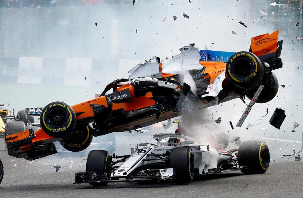 Fernando Alonso masin kukub Charles Leclerci vormelile