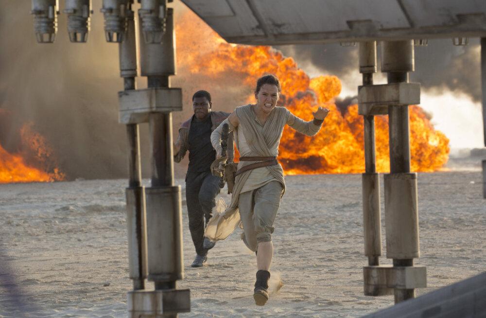 """VÄLKARVUSTUS: """"Star Wars: Jõud tärkab"""" — J.J. Abrams täitis ootused kuhjaga"""