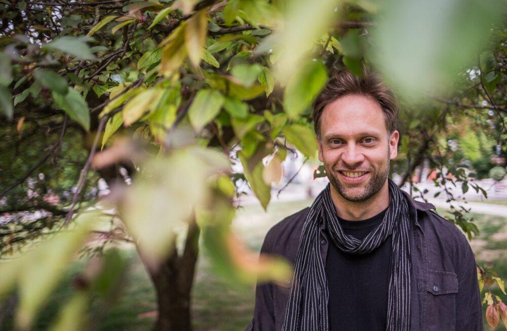 David Beecheri süda on Eestis ja ta ei välista ka siia kolimist. Ameerika eluolu ja ühiskonna kohta on tal öelda vaid krõbedaid sõnu.