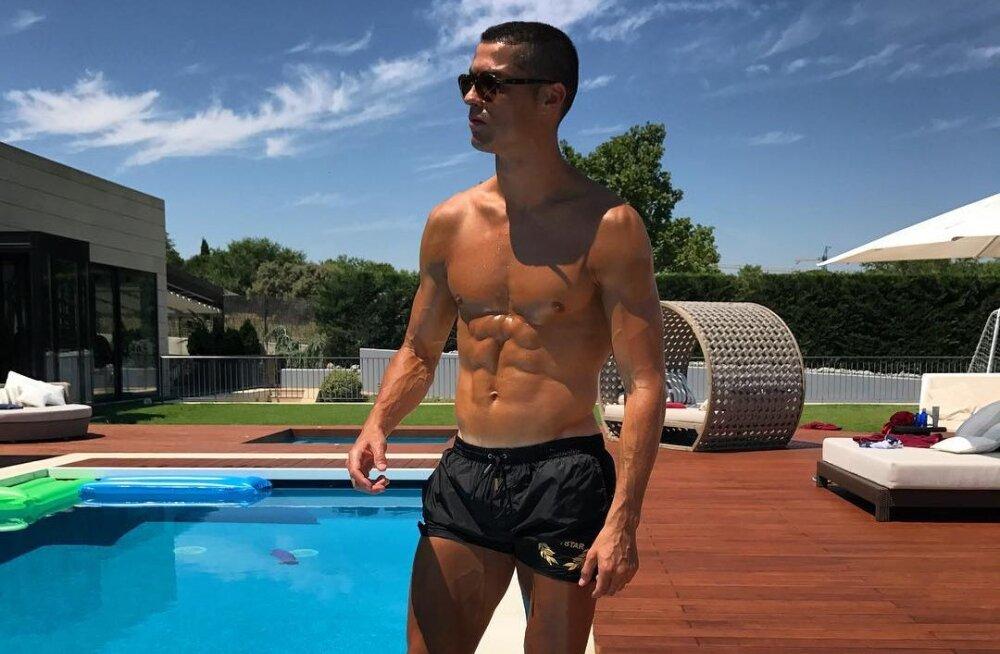 Cristiano Ronaldo sebib Läti kaunitariga?