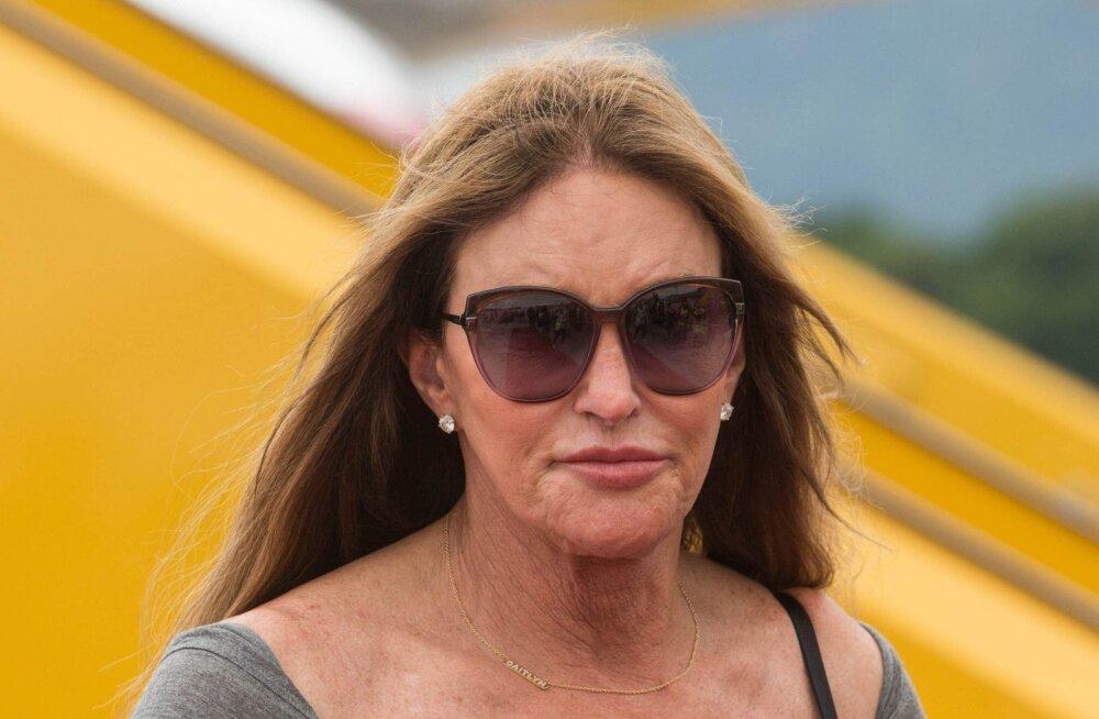 Caitlyn Jenner ajas sotsiaalmeedia kurjaks! Naine oli õnnelik selle üle, et tema maja maha ei põlenud