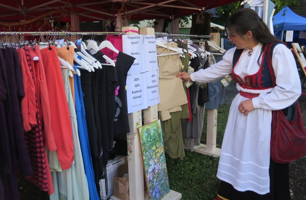 Peale turgude käib kauplemine suvisel ajal ka laatadel, kokkutulekutel ja muudel üritustel.