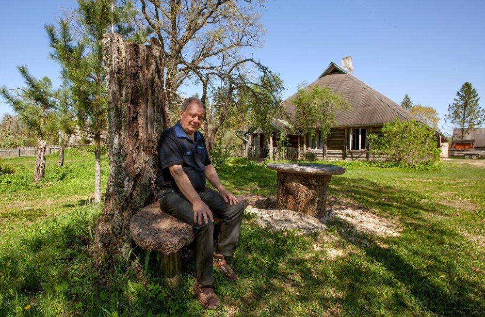 Kaara metsavahitalu Valgamaal, kus sündis ja elas ka oma viimased aastad tuntud ja tunnustatud metsamees Heino Teder. Tema poeg Kuno tähistas siin mõne nädala eest isa 90. sünniaastapäeva.