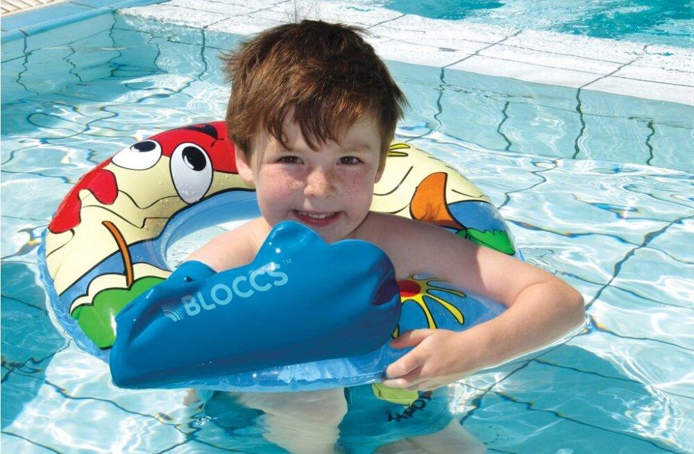 Veekindla kipsikaitsmega saab käia duši all ja ujumas