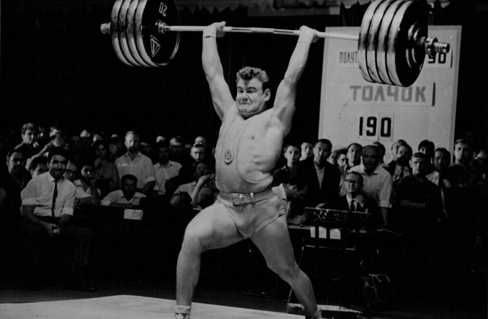 Jaan Talts rekordihoos 1. augustil 1967. aastal. 190 kg läheb sirgetele kätele ja koos sellega sünnib kogusummas rekordiline 500 kg. Viis aastat hiljem võitleb Talts Münchenis välja olümpiakulla.