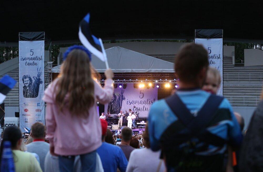FOTOD | Tartu Lauluväljakul toimunud isamaaline kontsert muutus liigutavaks protestiaktsiooniks! Tõnis Mägi: mõni laul on täna olulisem kui siis, kui see kirjutati
