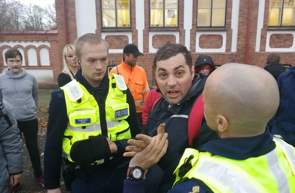 Alkoholi tarvitamise tunnustega 34-aastane mees tungis Pärnus kallale kahele noorukile
