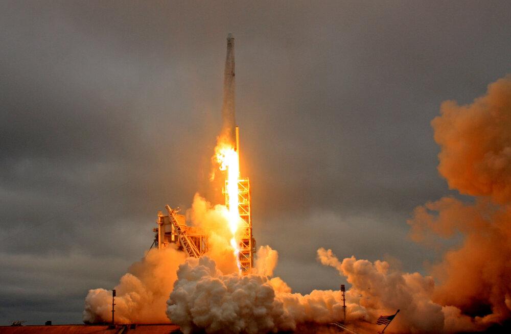 Säästulennud algavad: SpaceX plaanib sel kuul esimese taaskasutatud raketi taevasse saata