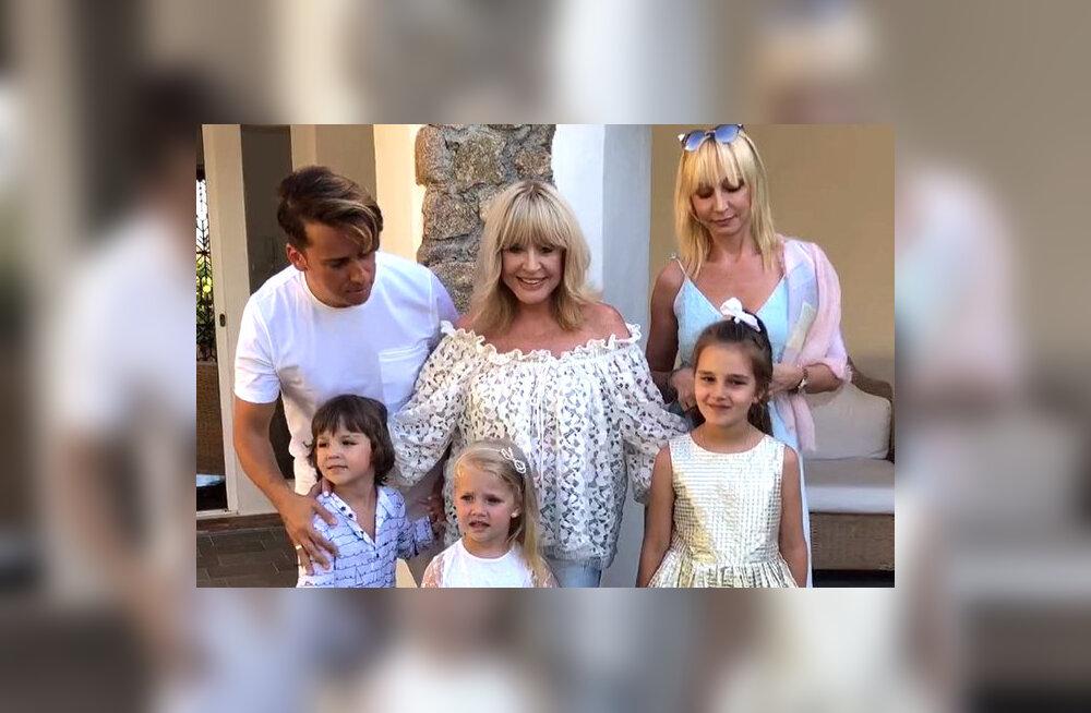ВИДЕО: Максим Галкин, Алла Пугачева и Кристина Орбакайте с детьми отдыхают в Греции