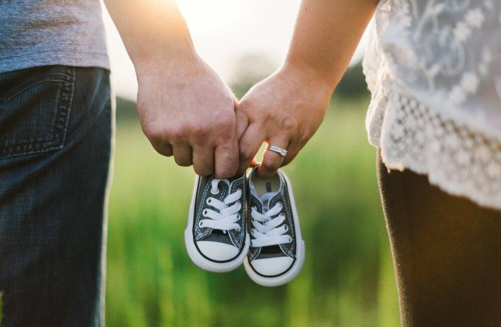 Mis saab vanemate intiimsushetkedest, kui perre sünnib beebi?