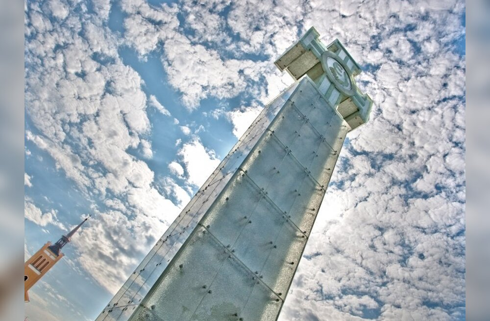 ФОТО/ВИДЕО: Краткая история монумента Свободы