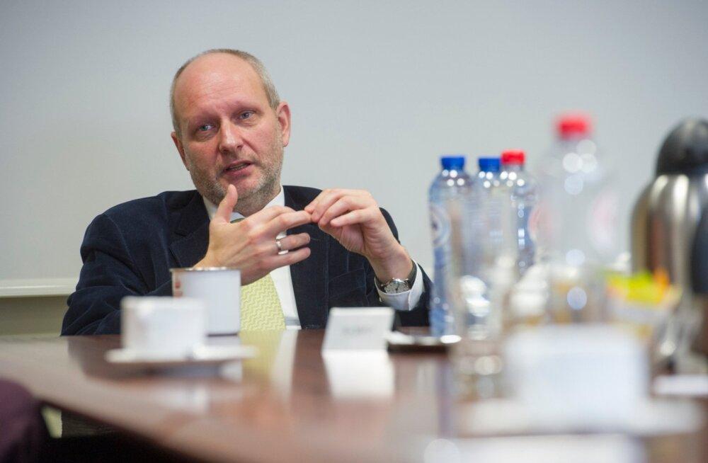 Matti Maasikas ütleb, et Euroopa Liidul tuleb inimeste südamesse pugemiseks pingutada konkreetsete asjadega.