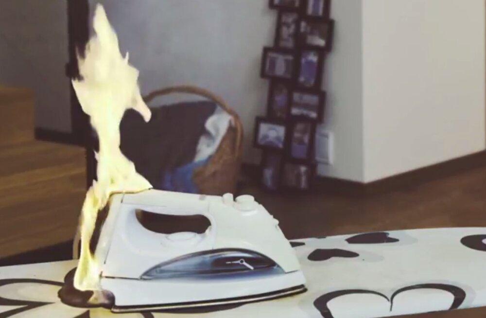 TEST: Vooluvõrku jäetud triikraud põhjustab tulekahju 30 minutiga