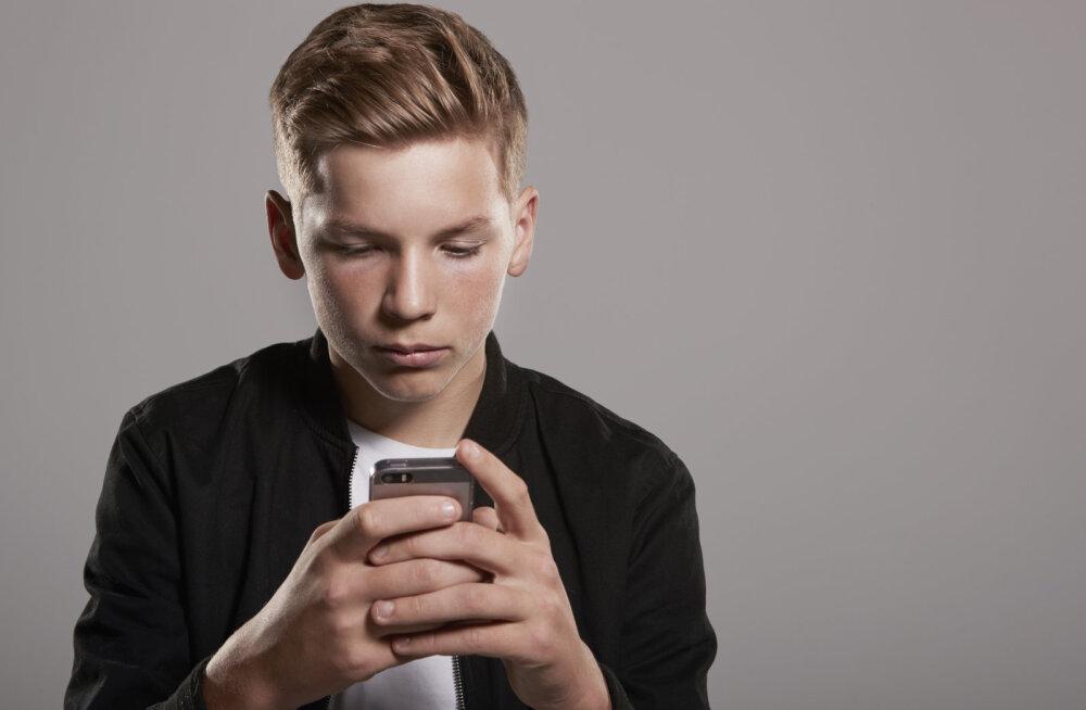 Mats Soomre: kutsun üles kõiki vanemaid süvenema oma teismelise Facebooki privaatsetesse vestlustesse ja gruppidesse, kuhu nad kuuluvad