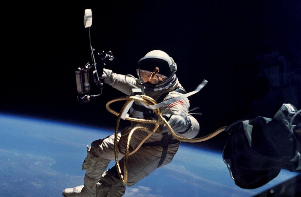 """NASA konkursi skafandris olles ihuhädade lahendamiseks võitis idee, mis lennutab astronaudi """"toodangu"""" avakosmosesse"""