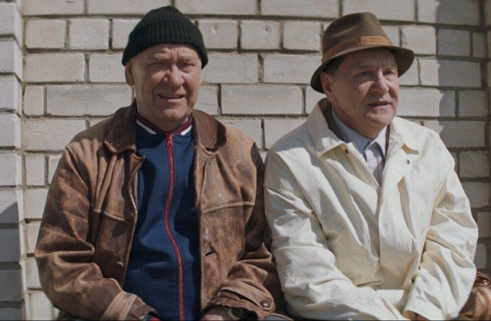Mida teha, kui sa pärast 20 aastat vangist välja saad? Fotol: Tõnu Kark ja Sergei Makovetski