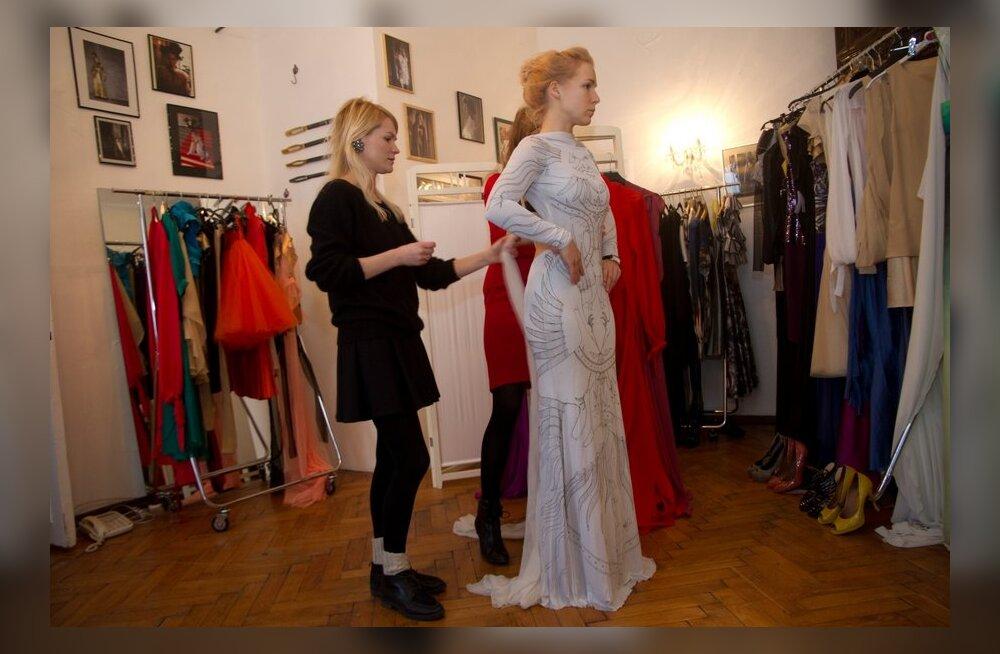PUBLIKU VIDEO ja FOTOD: Millist kleiti kannab Lenna EMA galal?