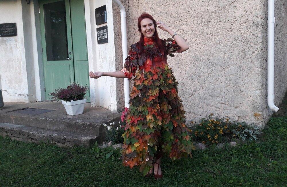 Vahtralehtedest kleit