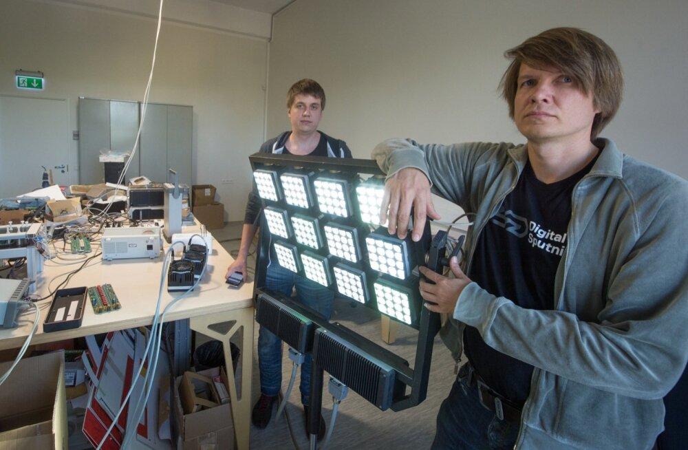 Vennad Kaur ja Kaspar Kallas ning nende välja töötatud LED-valgustid