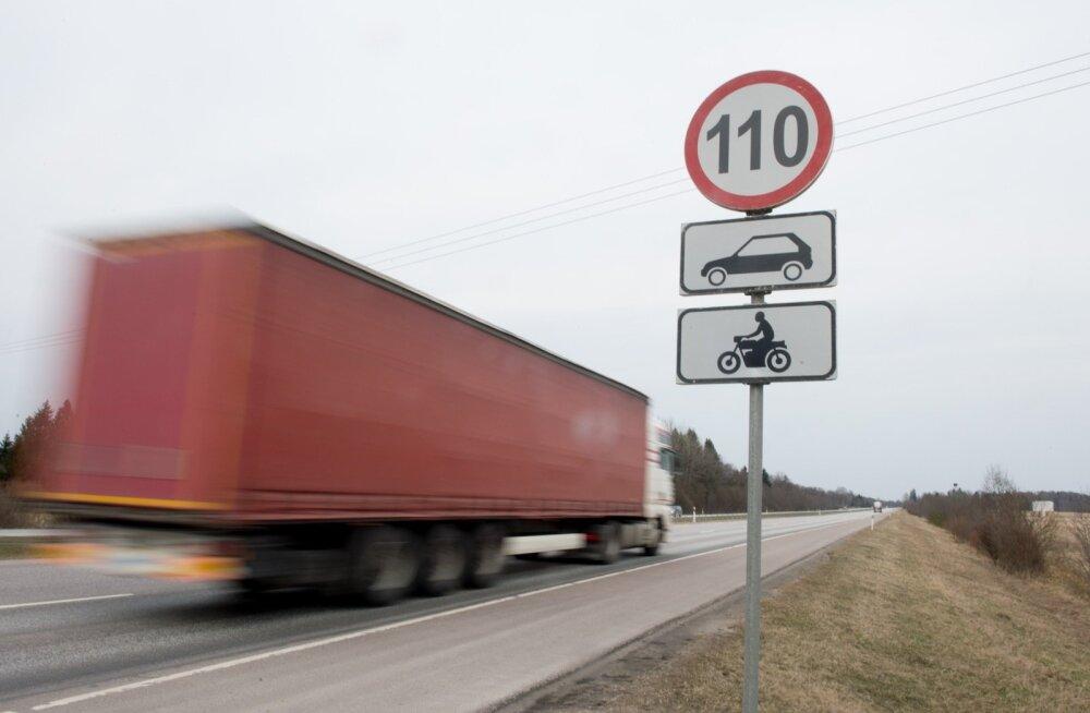 Maanteeamet manitseb: homsest enam 110 km/h sõita ei tohi