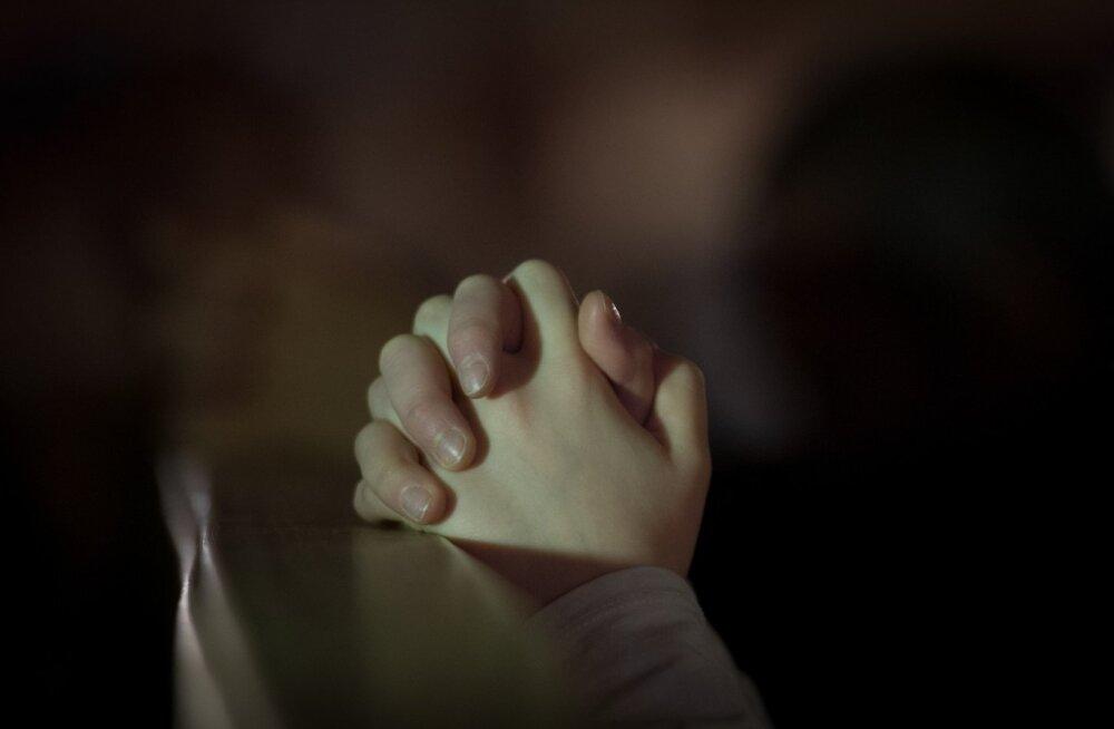 Paavsti soov muuta Meie Isa palve sõnastust tekitab Eestiski vastakaid arvamusi