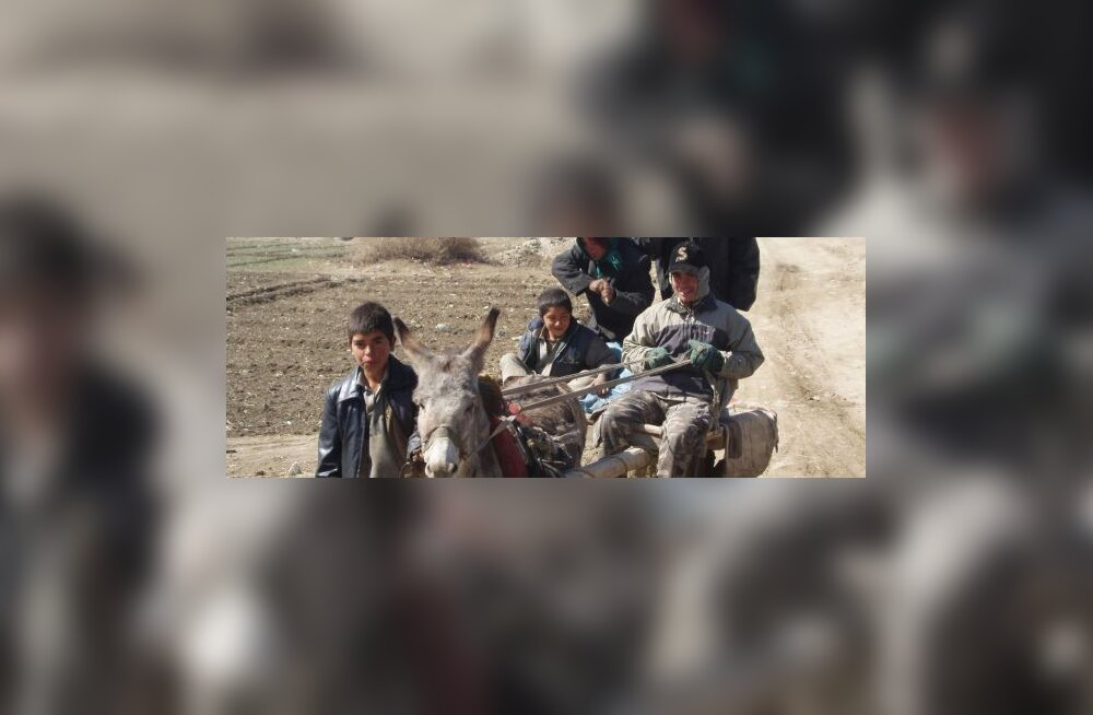 VAATA PILTE: Afganistan läbi politseiniku kaamera