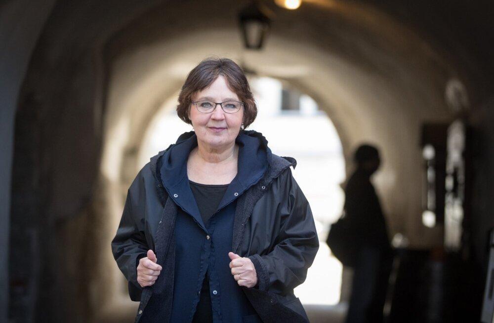 45-aastaselt sünnitanud moekunstnik Liivia Leškin tõdeb, et tänapäeval pole kummaline ka 50. eluaasta künnisel emaks saada.