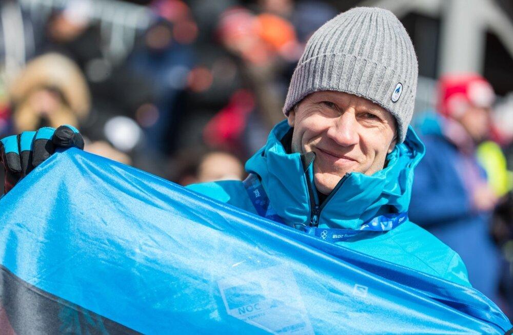 Tõnu Tõniste käis Pyeongchangi olümpial Eesti sportlastele kaasa elamas ja lippu lehvitamas.