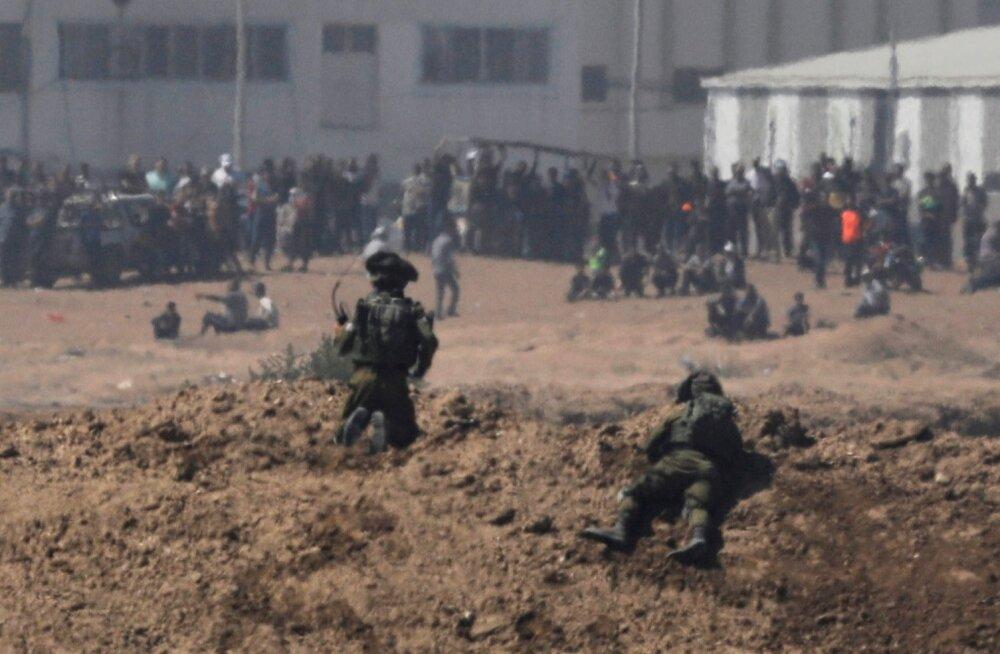 Reporterite sõnul tulistasid Iisraeli sõdurid alguses peamiselt jalgadesse, hiljem muutus tuli surmavaks.