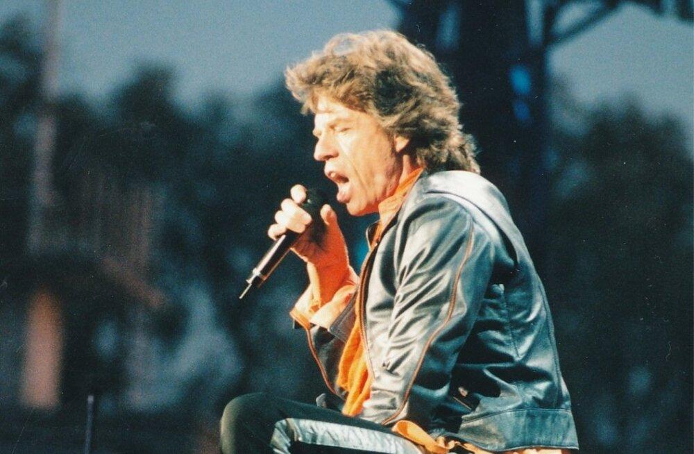 Rolling Stonesi karismaatiline solist Mick Jagger ei hoidnud tagasi ka öises Tallinnas pidutsedes