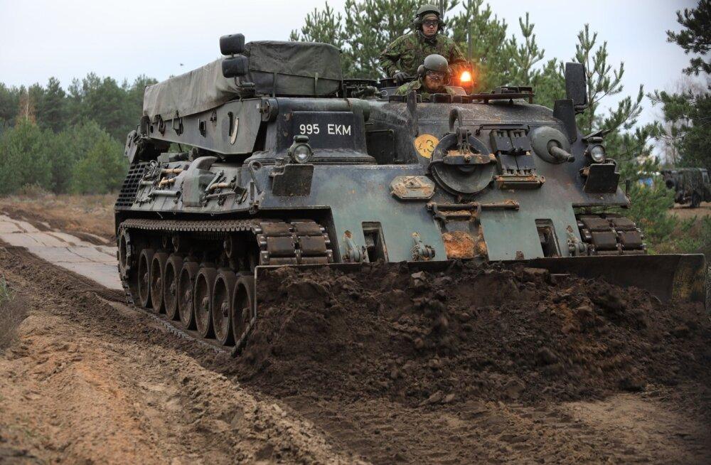 Leopard 1 baasil valmistatud sillatank ja pioneeritank
