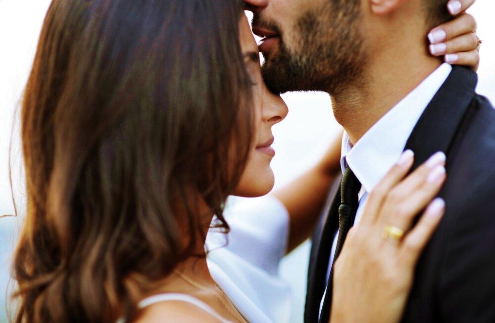 Mehed, pange nüüd tähele! 66 protsenti naistest väidab, et on mõne suhte eos lõpetanud, kuna esimene suudlus ei olnud hea