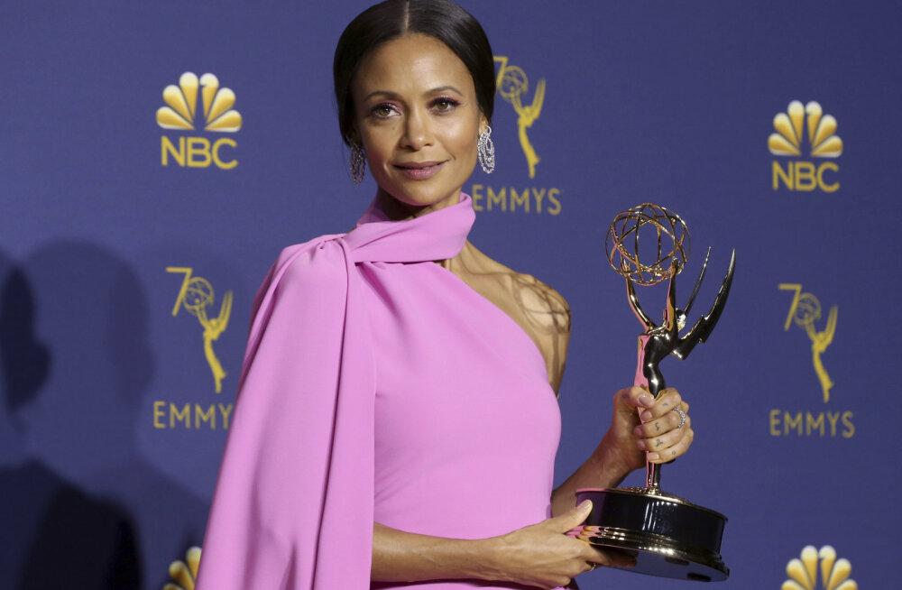 TOP 10 | Emmy auhinnagala stiilsed tähed tõid punasele vaibale kõrgmoe, seksikuse ja dramaatika
