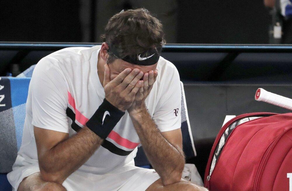 EMOTSIONAALNE VIDEO | Vanameister Federer puhkes võidukõne pidades lahinal nutma