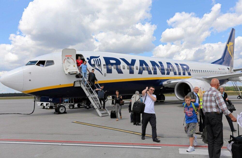 """Ryanair вводит """"пробный период"""" для новых правил провоза ручной клади"""