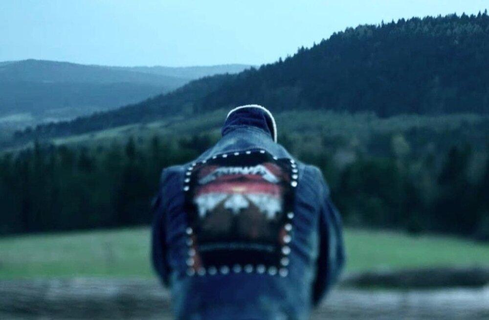 """""""Twarz"""" on film muutuvast identiteedist ja identiteediprobleemist Poolas, kuid selles väljenduvad teemad on aktuaalsed mujalgi."""